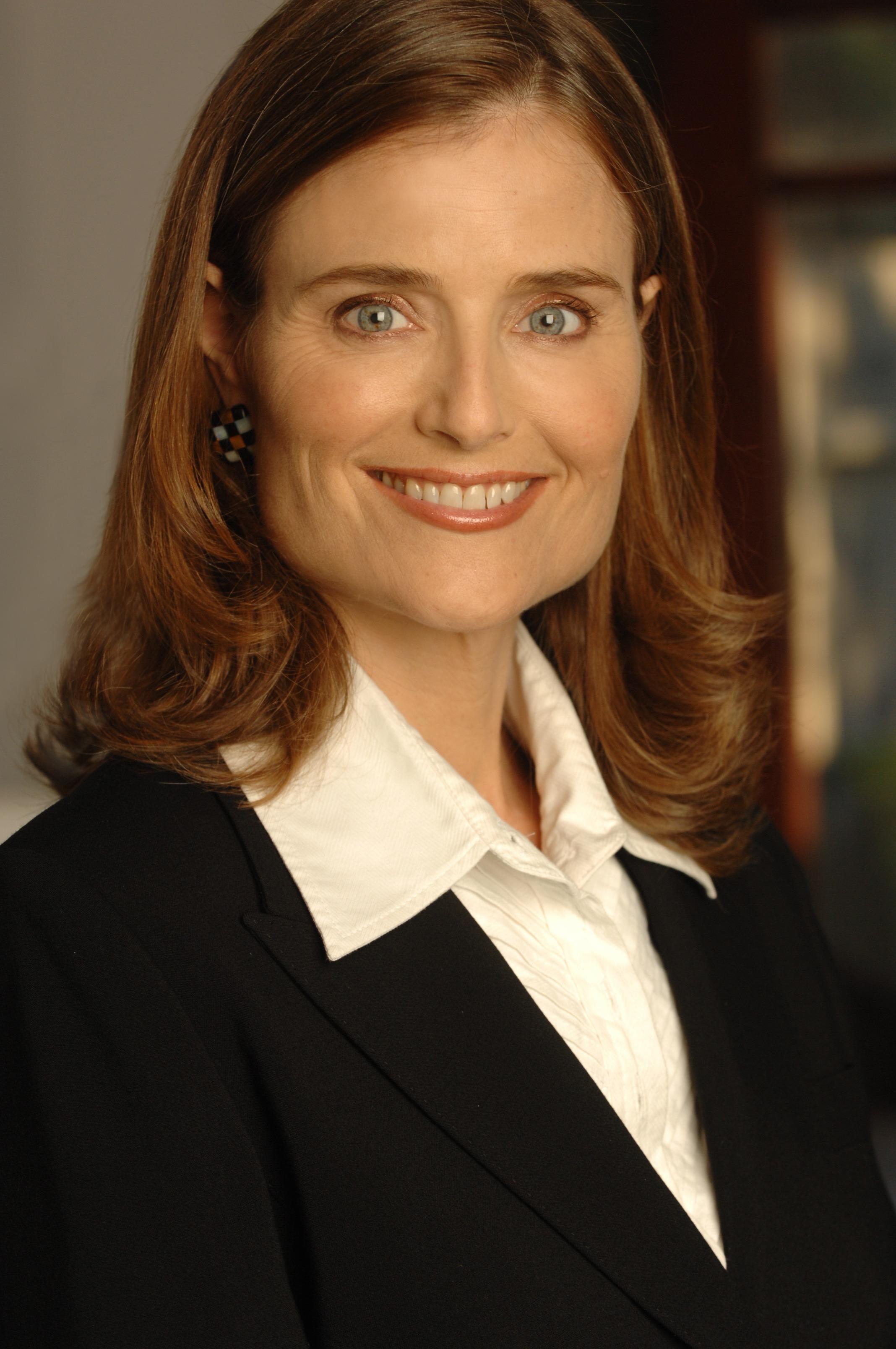 Elizabeth Karr
